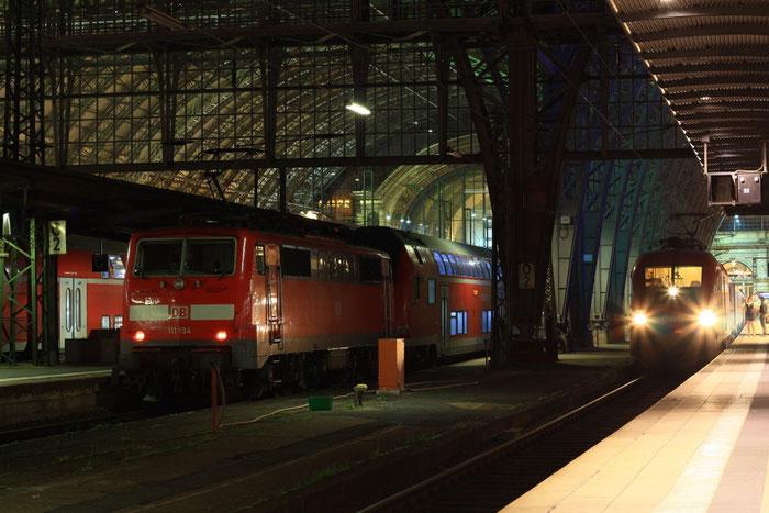 Nacht in Frankfurt Main Hbf; 1016 029 und 111 194