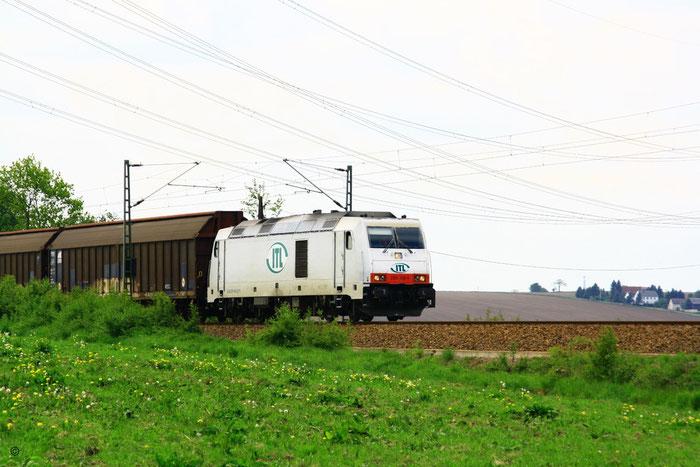 285 109 mit Gz kurz vor dem Bahnhof Klingenberg-Colmnitz