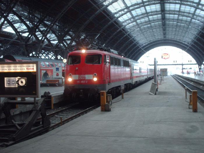 115 302 mit IC im Bhf Leipzig