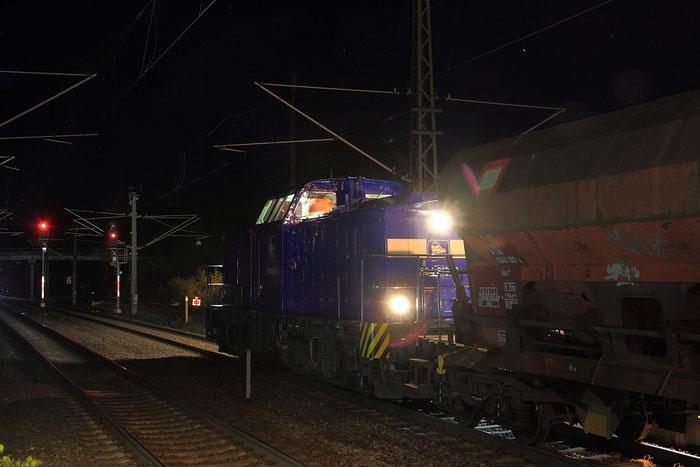 204 013 mit Schotterzug im Bahnhof Klingenberg Colmnitz