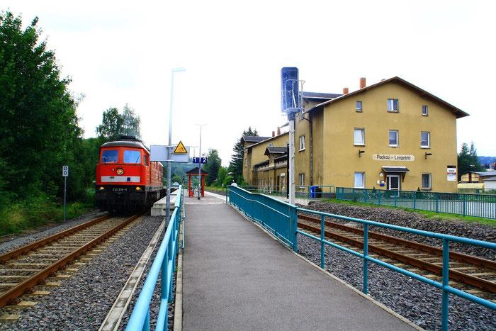 232 618 mit Militärgz im Bahnhof Pockau Lengefeld
