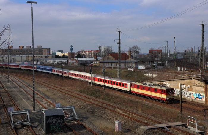 371 005 von Altstadt kommen kurz vorm Dresdner Hbf