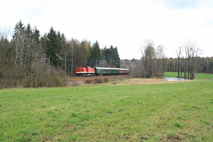 112 565 mit Leerzug und sehr geringer Geschwindigkeit kurz vor dem Esig von Klingenberg-Colmnitz