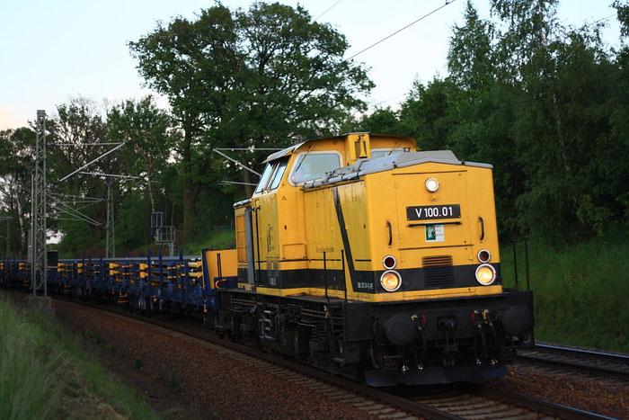V100.01 (202 481) mit Arbeitzug nach Meißen bei Niederbobritzsch