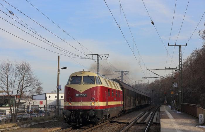 118 552 mit Porschezug nach Leipzig Wahren in Dresden Cotta
