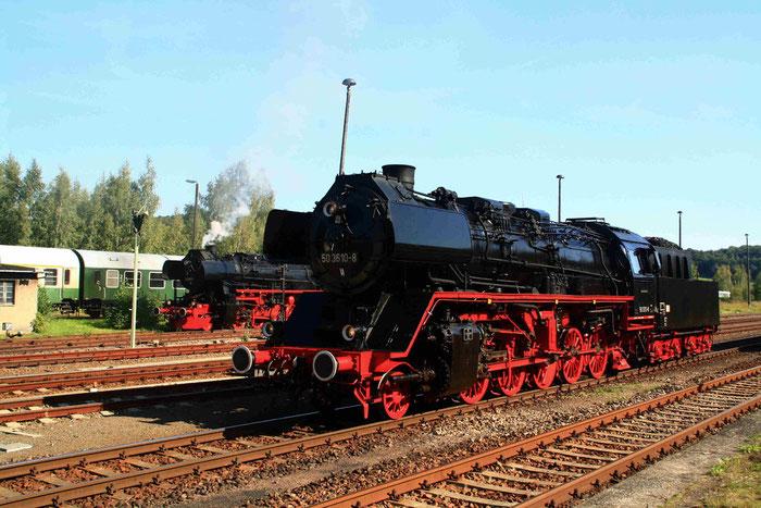 50 3610 und 52 8131 der WFL im Bahnhof Nossen