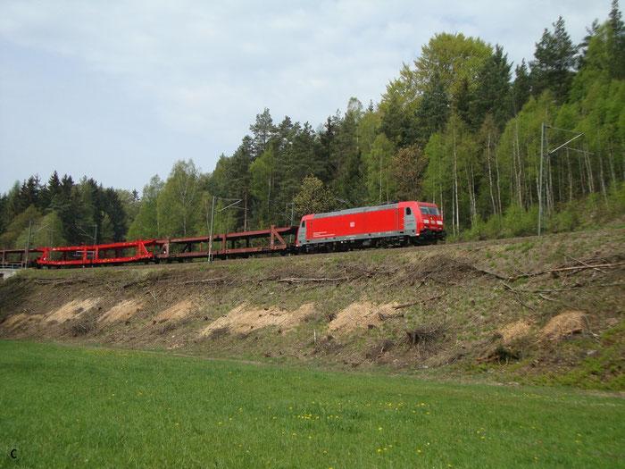 185 403 mit leerem Autogüterzug zwischen Klingenberg und Edle Krone (Bild mit Erlaubnis des Erstellers eingestellt)
