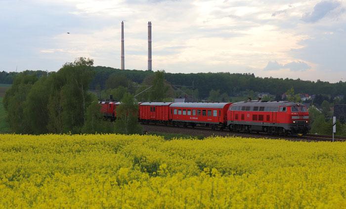 218 488 mit Hilfszug in Hilbersdorf
