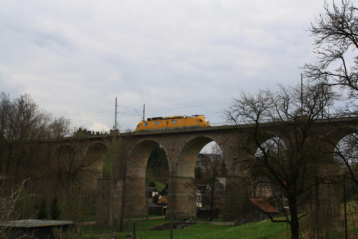 711 117 auf dem Colmnitzer Vaidukt