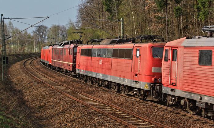 151 116 am 25.04.2013 im Lokzug des SSM auf dem Weg von Rostock nach Chemnitz
