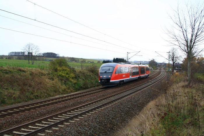 642 001 als S-Bahn am BÜ Colmnitz