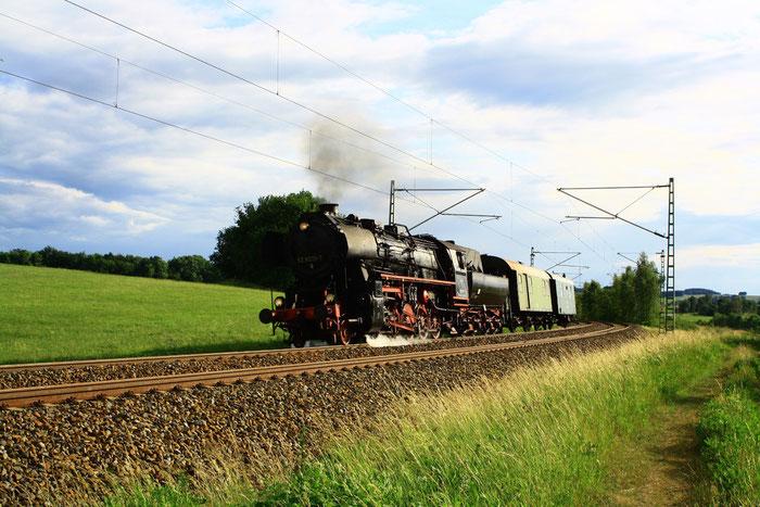 52 8079  auf Überführungsfahrt von Neuenmark Wirsberg über Schwarzenberg nach Dresden Altstadt zwischen Niederbobritzsch und Colmnitz