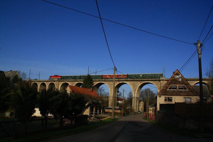 112 565 auf dem Colmnitzer Viadukt