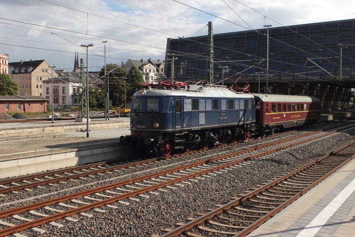 E18 047 mit einem privaten Sonderzug in Chemnitz