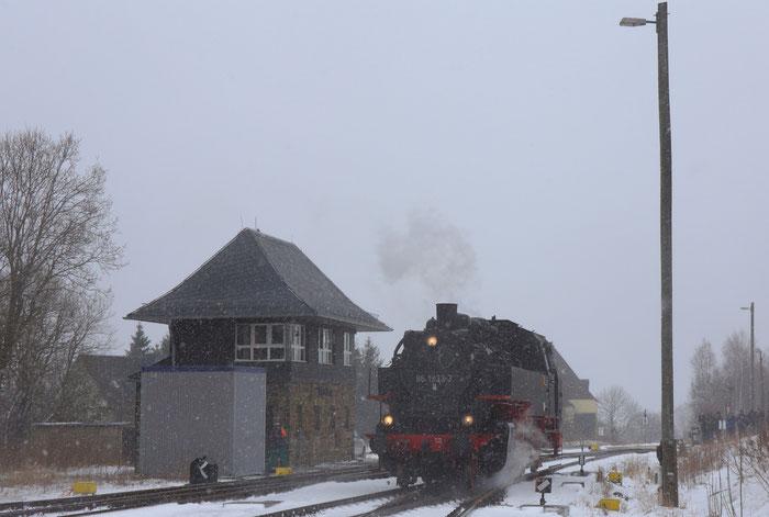 86 1333-3 rangiert im Bahnhof Altenberg
