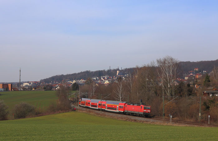 143 821 mit RE 3 in Hohenstein Ernsthal