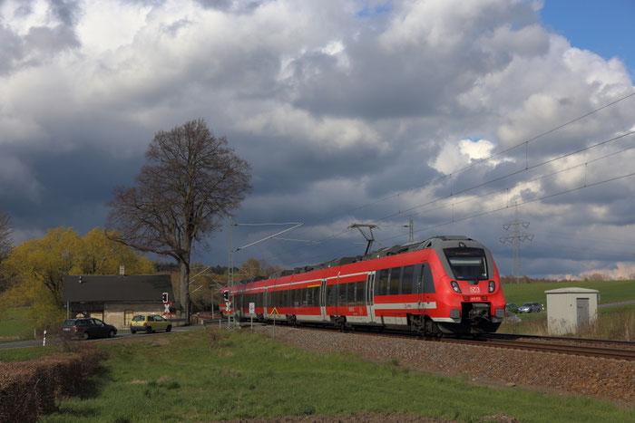442 813 als RE 3 nach Hof bei Colmnitz