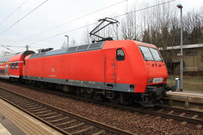 145 050 mit S-Bahn in DKC (Bild mit Erlaubnis des Erstellers eingestellt)