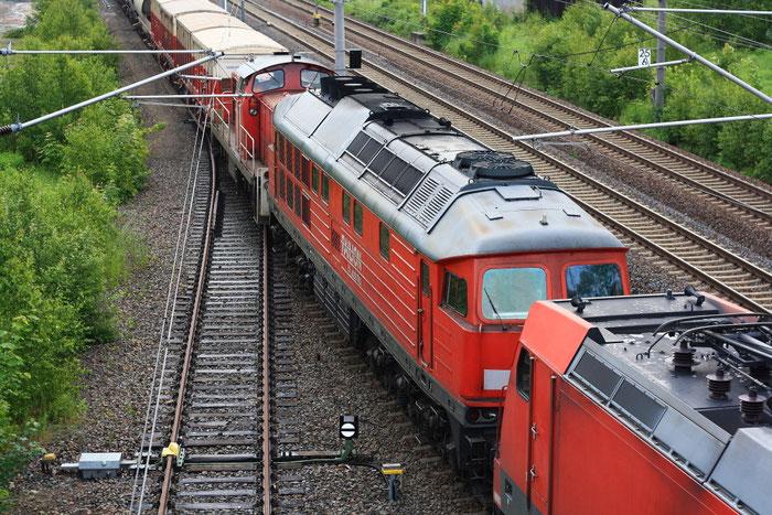 241 697 umringt von einer 185 und einer 294 vor der Übergabe nach Freiberg