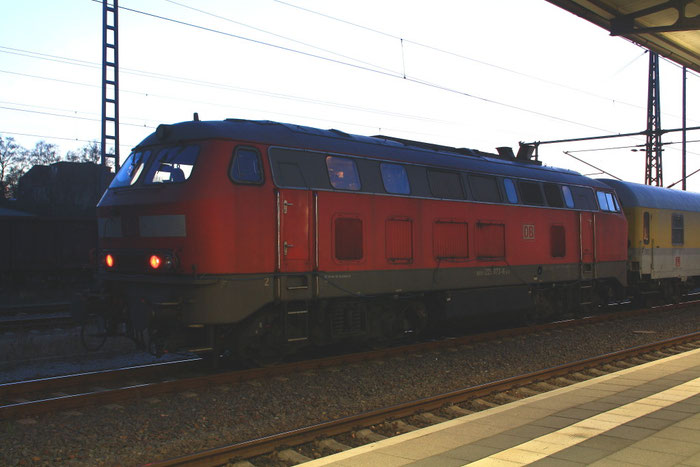 225 073 mit einem Messzug in Freiberg
