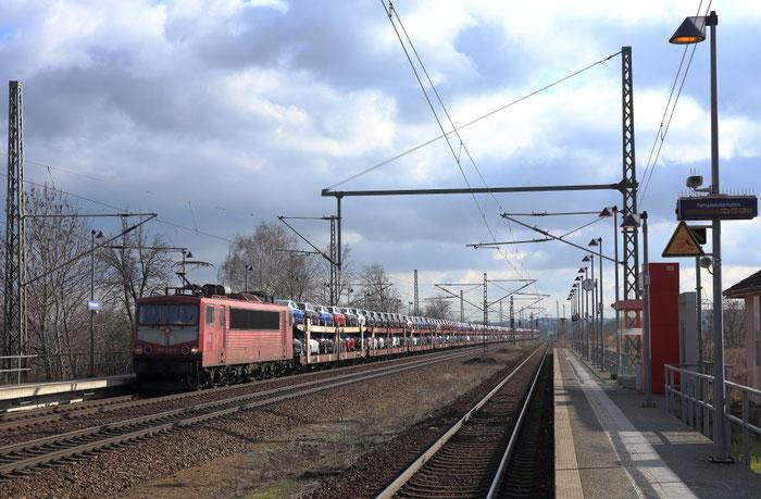 155 219 mit einem Autozug Richtung Niedersachsen in Pristewitz