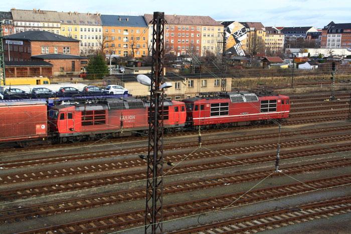 180 012 und 180 016 mit Gz aus DZW in Richtung Jungen Bunzlau (Mlada Boleslav)