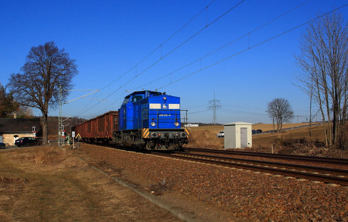204 012 der EBB Pressnitztalbahn am BÜ in Colmnitz