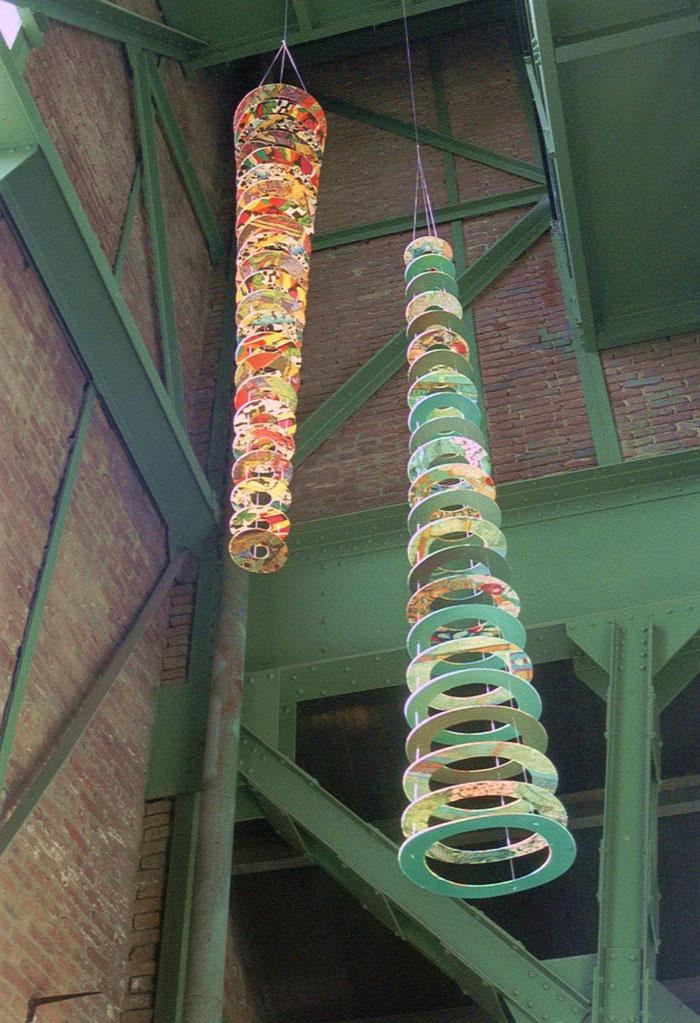 Die Leichtigkeit des Seins  2002 -  Stoff auf Plexiglas -     Hammerkopfturm Castrop-Rauxel