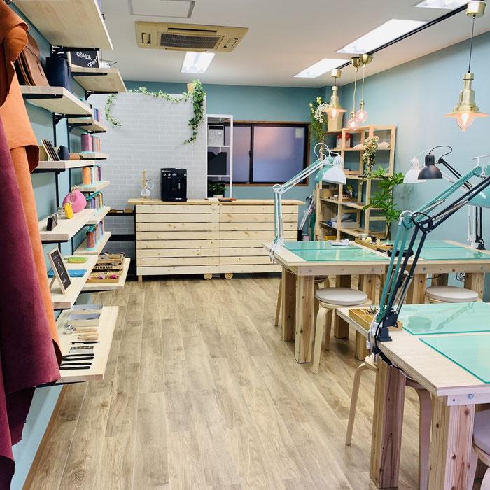 レザークラフト教室ヨコハマセリエ大阪心斎橋教室店内2