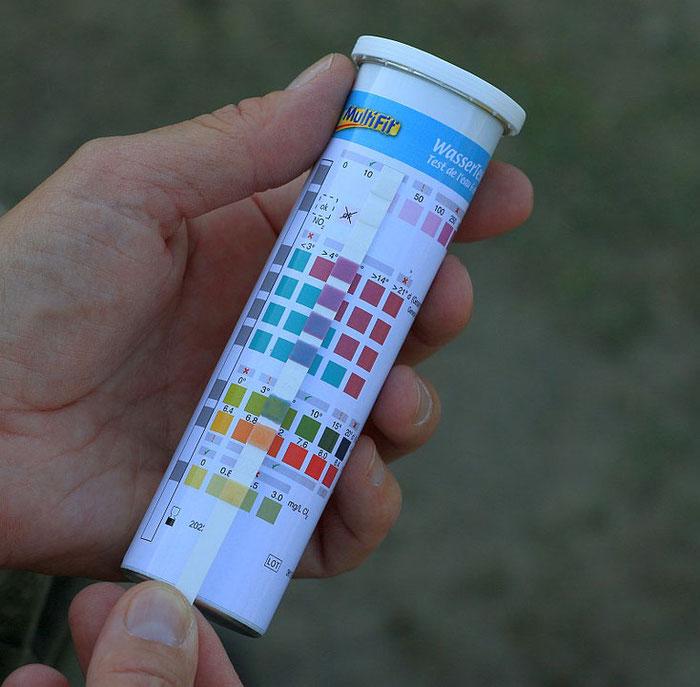 Teststreifen für Wasserwerte: Chlor, ph-Wert, Karbonathärte, Gesamthärte, Nitrat, Nitrit