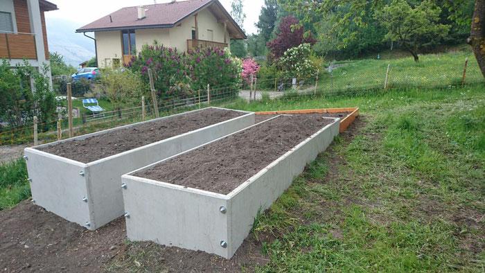 Hochbeet Beton glatt, Farbe Betongrau oder Weiß (Weisszement)
