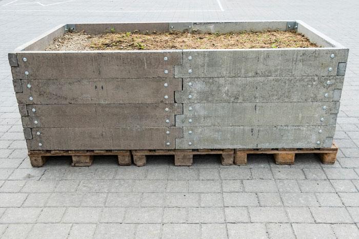Hochbeet aus Beton Schönthaler Bausteinwerk