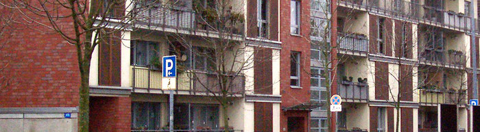 Der Kauf eines Mehrfamilienhauses kann Anlass für eine Immobilienbewertung sein.
