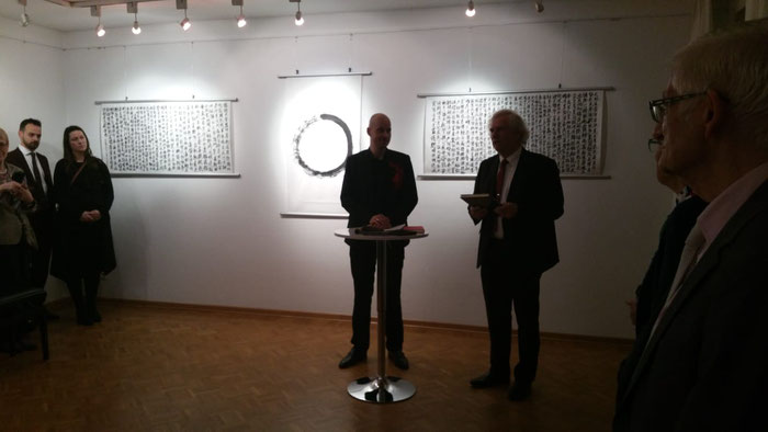 Begrüßung durch Bezirksbürgermeister Holm Sternbacher. Foto © Kolja Quakernack