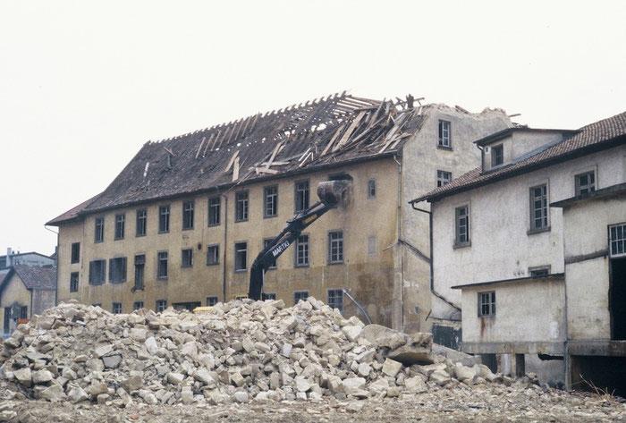 Abriss der letzten grösseren Gebäude 1982. Bild: Lino Lugano