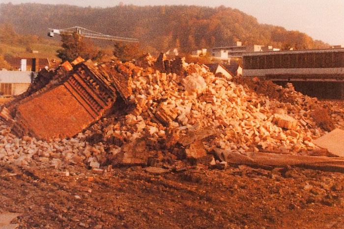 Am Schluss blieb nur ein Haufen Trümmer übrig. Bild: Max Hofer