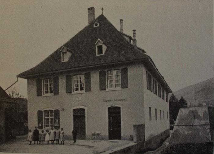 Die alte Mühle, wo einst der Konsumladen untergebracht war.