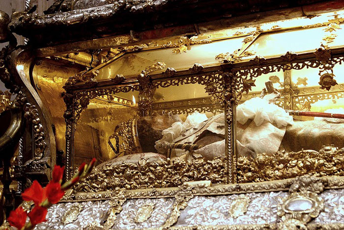 Нетленные мощи Святого Фернандо