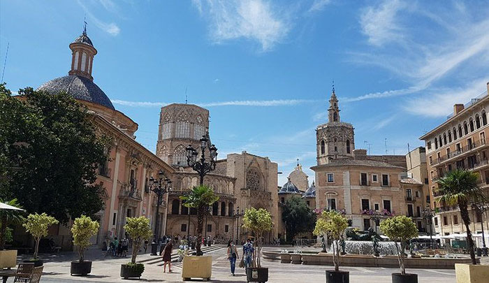 Площадь Богородицы в Валенсии