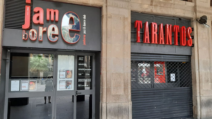 9 фактов - Плаза Реаль в Барселоне