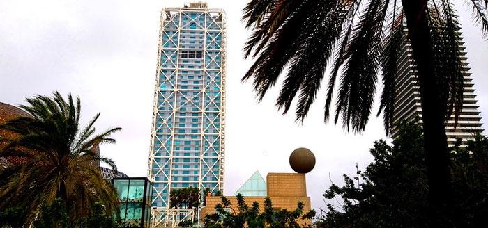 10 уникальных современных зданий Барселоны