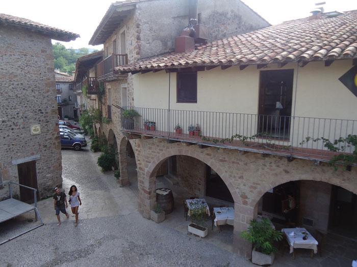Ла-Гарроча - деревня Санта Пау
