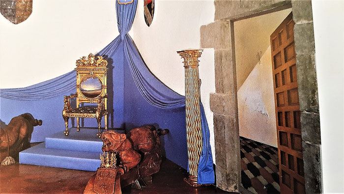 Замок Пуболь в стиле Гала