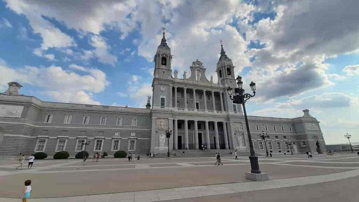 Альмудена - Кафедральный собор Мадрида