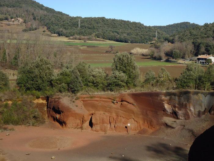 Вулканическая зона Ла Гарроча.Вулкан Кроскат Испания