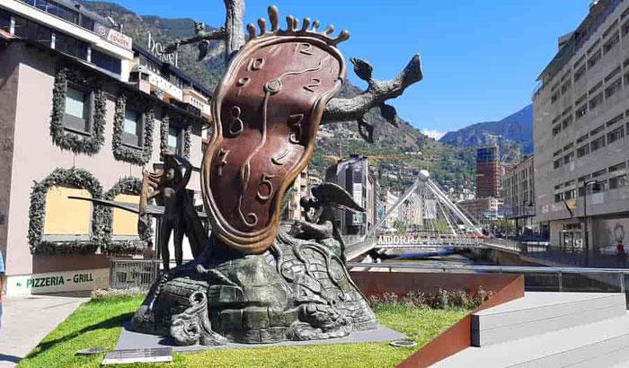 Путешествие по Андорре - скульптуры