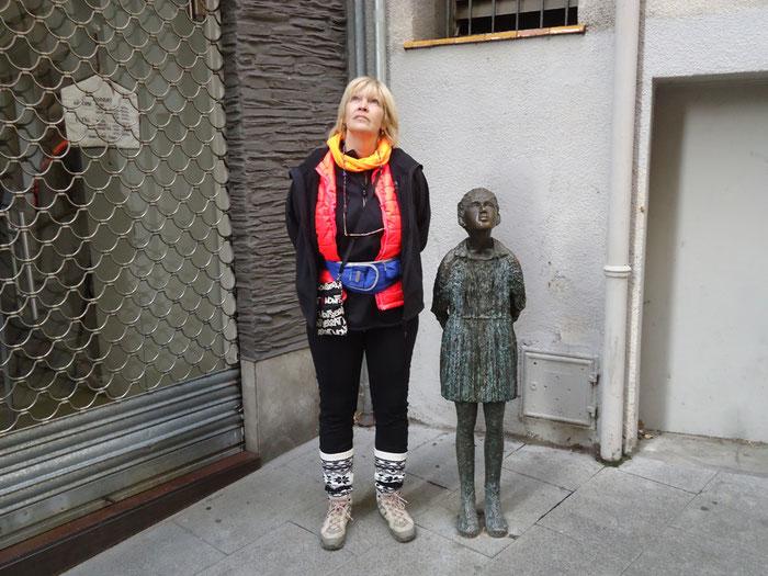 Олот - скульптуры, стрит-арт