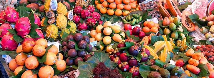 Рынок Бокерия - экзотические фрукты