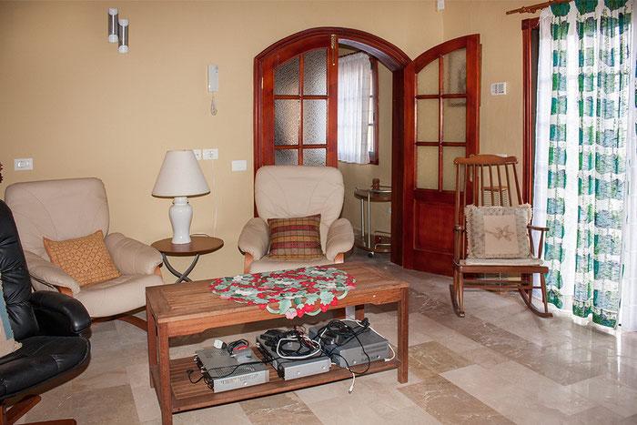 2.kleines Wohnzimmer