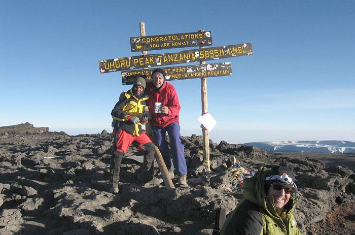 Am Gipfel, 5895m